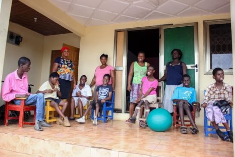 Gruppenbild OAfrica Haus